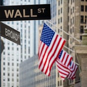 Indici negativi a Wall Street. In progresso Facebook