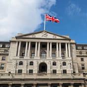 Bank of England, tassi alzati allo 0,5%