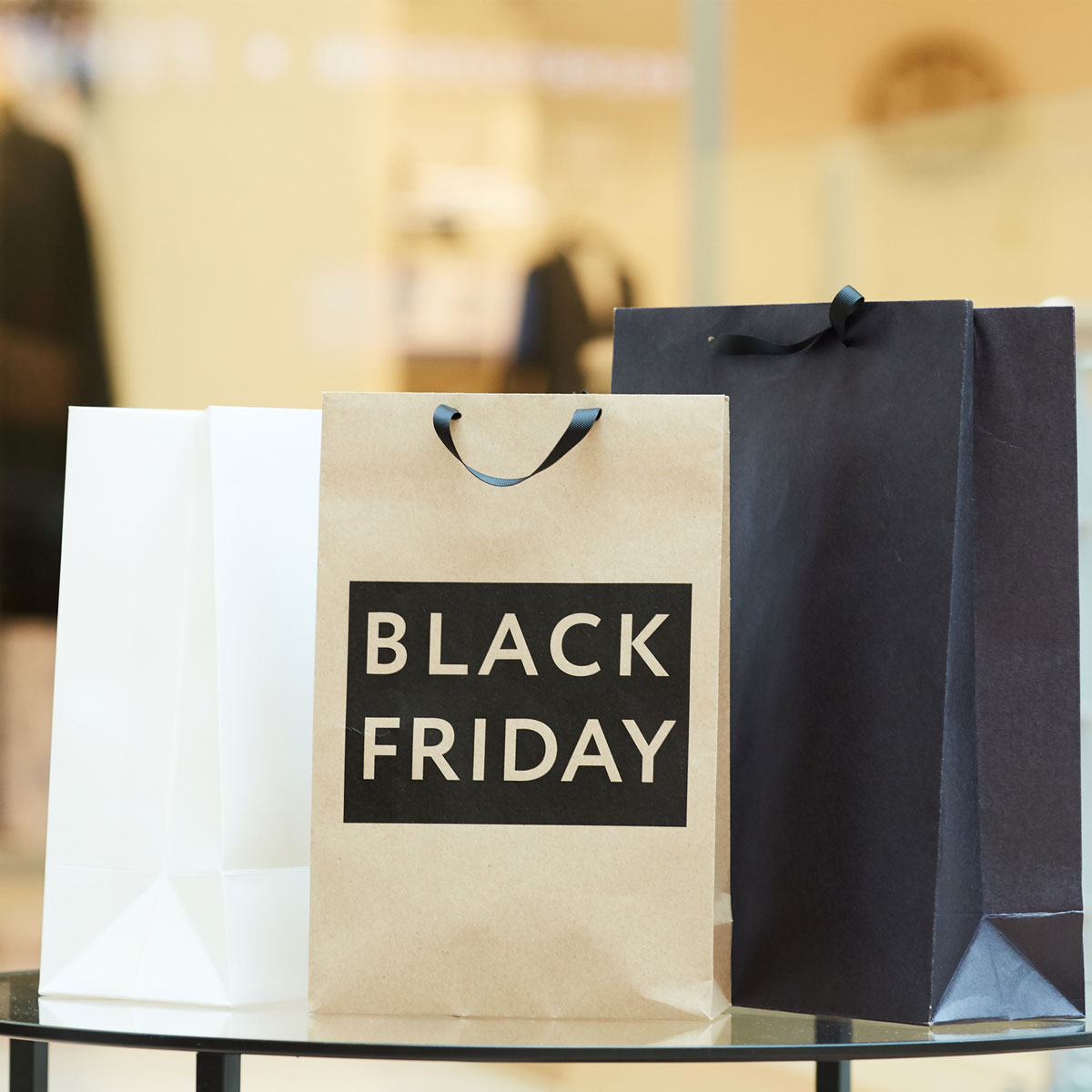 Black Friday, gli italiani spenderanno in media 116 euro